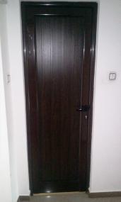 алуминиева врата за баня с пълнеж сачак